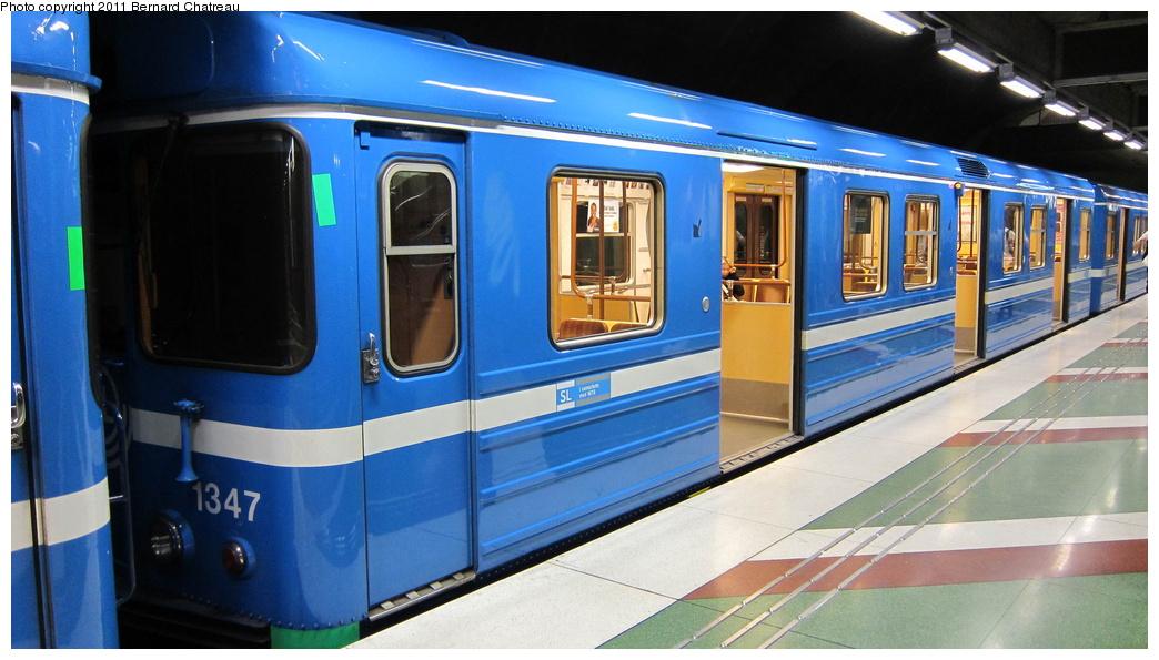 (264k, 1044x595)<br><b>Country:</b> Sweden<br><b>City:</b> Stockholm<br><b>System:</b> Storstockholms Lokaltrafik<br><b>Line:</b> Tunnelbana Blue Line<br><b>Location:</b> Kungsträdgården<br><b>Car:</b>  1347 <br><b>Photo by:</b> Bernard Chatreau<br><b>Date:</b> 9/15/2010<br><b>Viewed (this week/total):</b> 0 / 463