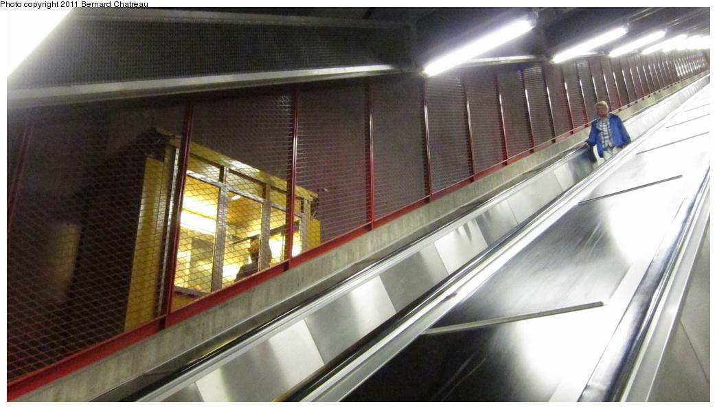 (241k, 1044x595)<br><b>Country:</b> Sweden<br><b>City:</b> Stockholm<br><b>System:</b> Storstockholms Lokaltrafik<br><b>Line:</b> Tunnelbana Blue Line<br><b>Location:</b> Kungsträdgården<br><b>Photo by:</b> Bernard Chatreau<br><b>Date:</b> 9/15/2010<br><b>Viewed (this week/total):</b> 0 / 484