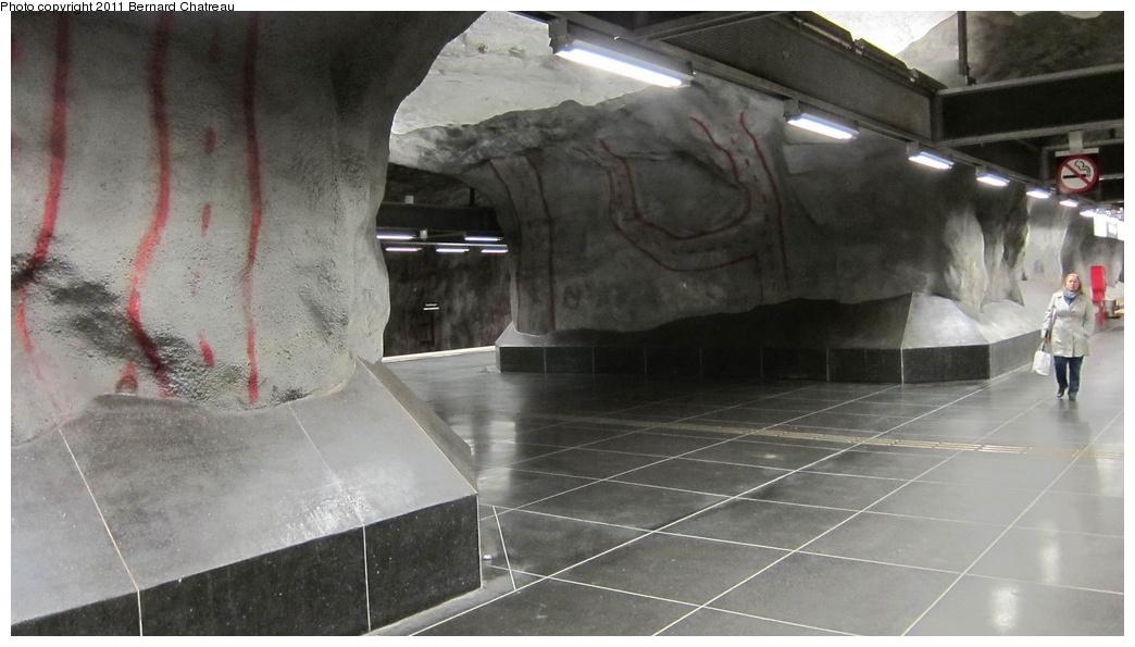 (227k, 1044x595)<br><b>Country:</b> Sweden<br><b>City:</b> Stockholm<br><b>System:</b> Storstockholms Lokaltrafik<br><b>Line:</b> Tunnelbana Blue Line<br><b>Location:</b> Stadshagen<br><b>Photo by:</b> Bernard Chatreau<br><b>Date:</b> 9/15/2010<br><b>Viewed (this week/total):</b> 0 / 485