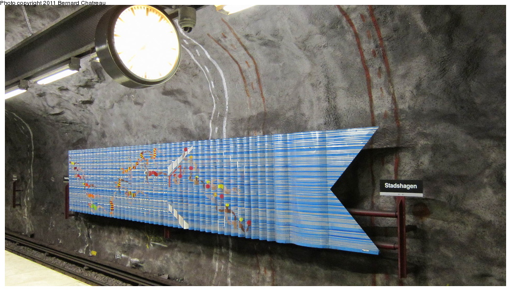 (298k, 1044x595)<br><b>Country:</b> Sweden<br><b>City:</b> Stockholm<br><b>System:</b> Storstockholms Lokaltrafik<br><b>Line:</b> Tunnelbana Blue Line<br><b>Location:</b> Stadshagen<br><b>Photo by:</b> Bernard Chatreau<br><b>Date:</b> 9/15/2010<br><b>Viewed (this week/total):</b> 1 / 392