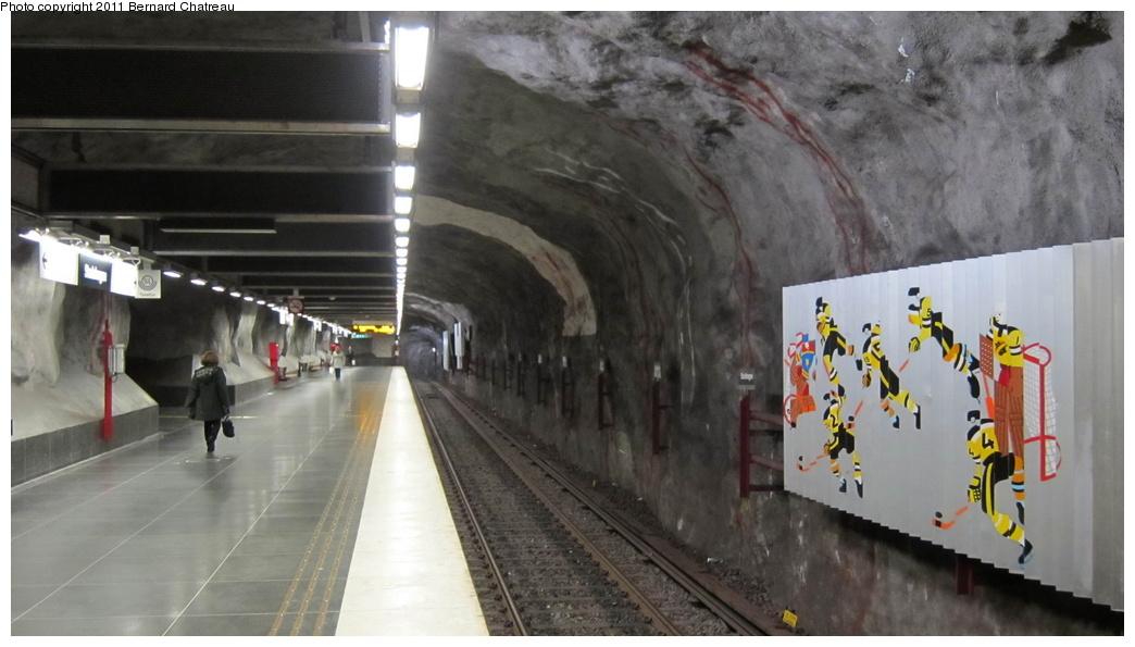 (219k, 1044x595)<br><b>Country:</b> Sweden<br><b>City:</b> Stockholm<br><b>System:</b> Storstockholms Lokaltrafik<br><b>Line:</b> Tunnelbana Blue Line<br><b>Location:</b> Stadshagen<br><b>Photo by:</b> Bernard Chatreau<br><b>Date:</b> 9/15/2010<br><b>Viewed (this week/total):</b> 0 / 493