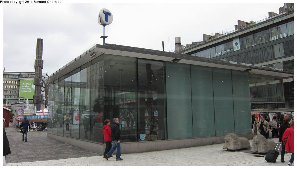 (211k, 1044x594)<br><b>Country:</b> Sweden<br><b>City:</b> Stockholm<br><b>System:</b> Storstockholms Lokaltrafik<br><b>Line:</b> Tunnelbana Green Line<br><b>Location:</b> T-Centralen<br><b>Photo by:</b> Bernard Chatreau<br><b>Date:</b> 9/15/2010<br><b>Viewed (this week/total):</b> 0 / 486