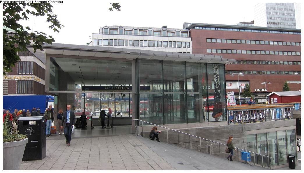 (274k, 1044x595)<br><b>Country:</b> Sweden<br><b>City:</b> Stockholm<br><b>System:</b> Storstockholms Lokaltrafik<br><b>Line:</b> Tunnelbana Green Line<br><b>Location:</b> T-Centralen<br><b>Photo by:</b> Bernard Chatreau<br><b>Date:</b> 9/15/2010<br><b>Viewed (this week/total):</b> 2 / 526
