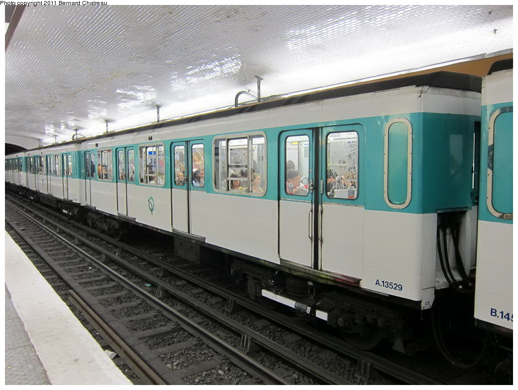 (301k, 1044x786)<br><b>Country:</b> France<br><b>City:</b> Paris<br><b>System:</b> RATP (Régie Autonome des Transports Parisiens)<br><b>Line:</b> Metro Ligne 5<br><b>Location:</b> Gare du Nord<br><b>Car:</b> MF67 13529 <br><b>Photo by:</b> Bernard Chatreau<br><b>Date:</b> 6/11/2010<br><b>Viewed (this week/total):</b> 2 / 426