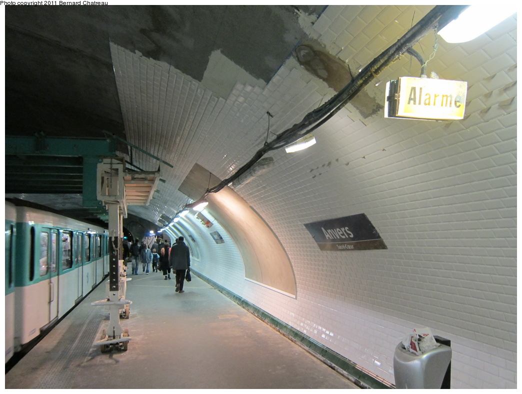 (277k, 1044x788)<br><b>Country:</b> France<br><b>City:</b> Paris<br><b>System:</b> RATP (Régie Autonome des Transports Parisiens)<br><b>Line:</b> Metro Ligne 2<br><b>Location:</b> Anvers<br><b>Photo by:</b> Bernard Chatreau<br><b>Date:</b> 4/8/2010<br><b>Viewed (this week/total):</b> 3 / 503