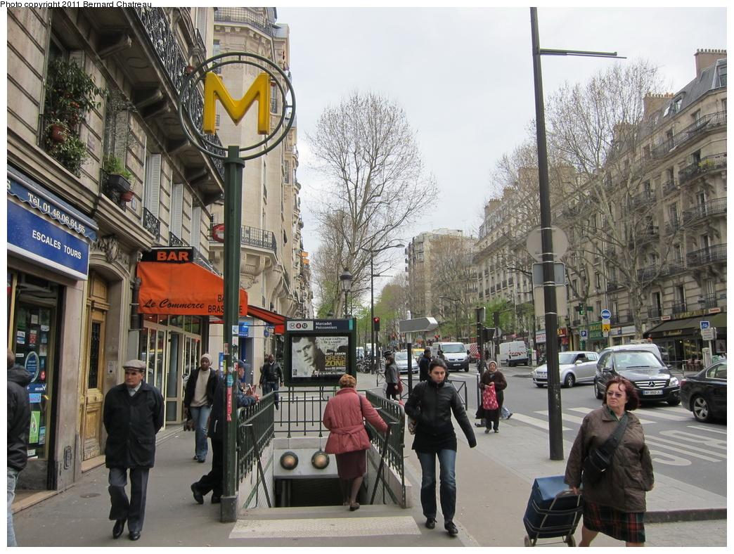 (398k, 1044x788)<br><b>Country:</b> France<br><b>City:</b> Paris<br><b>System:</b> RATP (Régie Autonome des Transports Parisiens)<br><b>Line:</b> Metro Ligne 4<br><b>Location:</b> Marcadet-Poissonniers<br><b>Photo by:</b> Bernard Chatreau<br><b>Date:</b> 4/8/2010<br><b>Viewed (this week/total):</b> 2 / 431