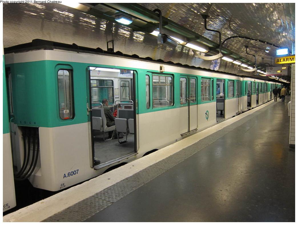 (309k, 1044x788)<br><b>Country:</b> France<br><b>City:</b> Paris<br><b>System:</b> RATP (Régie Autonome des Transports Parisiens)<br><b>Line:</b> Metro Ligne 4<br><b>Location:</b> Porte de Clignancourt<br><b>Car:</b> MP59 6007 <br><b>Photo by:</b> Bernard Chatreau<br><b>Date:</b> 5/5/2010<br><b>Viewed (this week/total):</b> 1 / 440