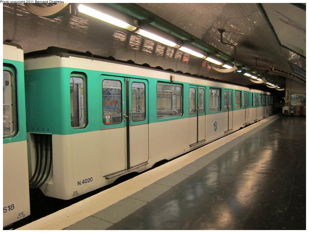 (272k, 1044x788)<br><b>Country:</b> France<br><b>City:</b> Paris<br><b>System:</b> RATP (Régie Autonome des Transports Parisiens)<br><b>Line:</b> Metro Ligne 4<br><b>Location:</b> Porte de Clignancourt<br><b>Car:</b> MP59 4020 <br><b>Photo by:</b> Bernard Chatreau<br><b>Date:</b> 5/5/2010<br><b>Viewed (this week/total):</b> 0 / 434