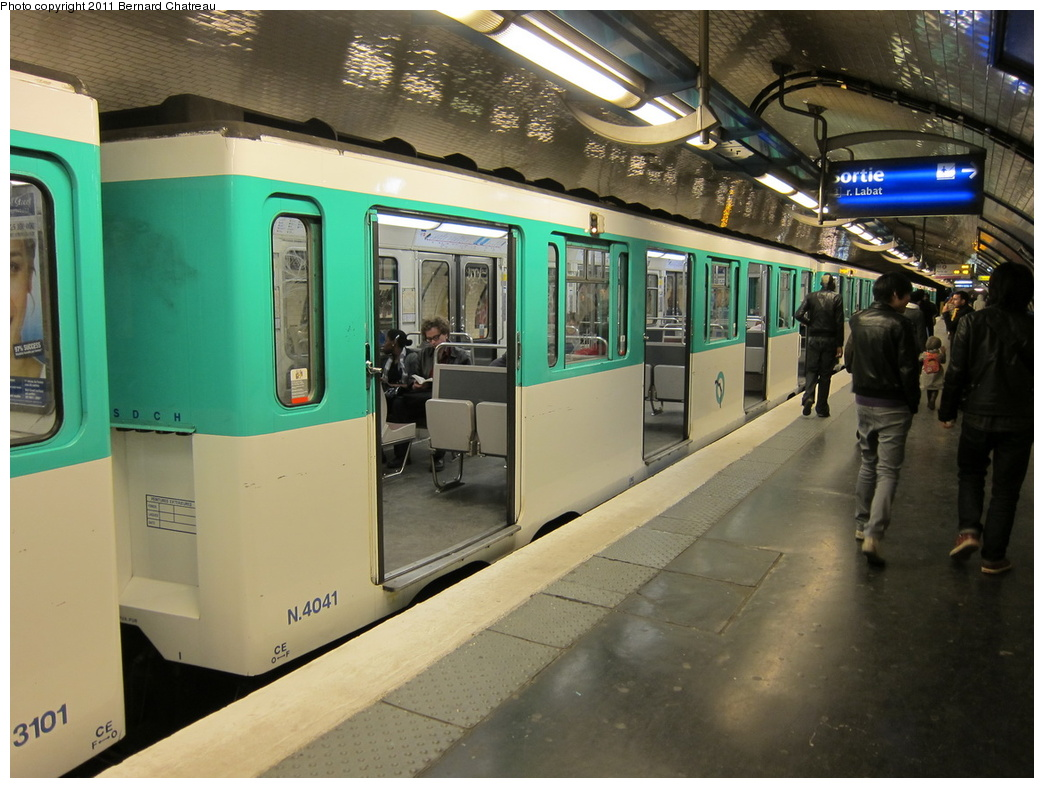 (311k, 1044x788)<br><b>Country:</b> France<br><b>City:</b> Paris<br><b>System:</b> RATP (Régie Autonome des Transports Parisiens)<br><b>Line:</b> Metro Ligne 4<br><b>Location:</b> Marcadet-Poissonniers<br><b>Car:</b> MP59 4041 <br><b>Photo by:</b> Bernard Chatreau<br><b>Date:</b> 4/8/2010<br><b>Viewed (this week/total):</b> 1 / 398