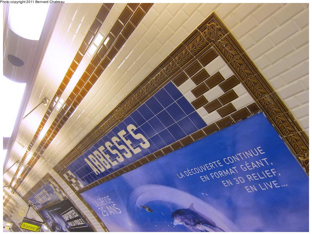 (369k, 1044x788)<br><b>Country:</b> France<br><b>City:</b> Paris<br><b>System:</b> RATP (Régie Autonome des Transports Parisiens)<br><b>Line:</b> Metro Ligne 12<br><b>Location:</b> Abbesses<br><b>Photo by:</b> Bernard Chatreau<br><b>Date:</b> 5/5/2010<br><b>Viewed (this week/total):</b> 2 / 373