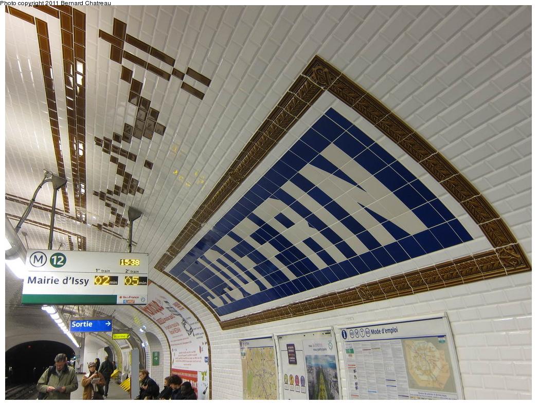(373k, 1044x788)<br><b>Country:</b> France<br><b>City:</b> Paris<br><b>System:</b> RATP (Régie Autonome des Transports Parisiens)<br><b>Line:</b> Metro Ligne 12<br><b>Location:</b> Jules Joffrin<br><b>Photo by:</b> Bernard Chatreau<br><b>Date:</b> 5/5/2010<br><b>Viewed (this week/total):</b> 1 / 519