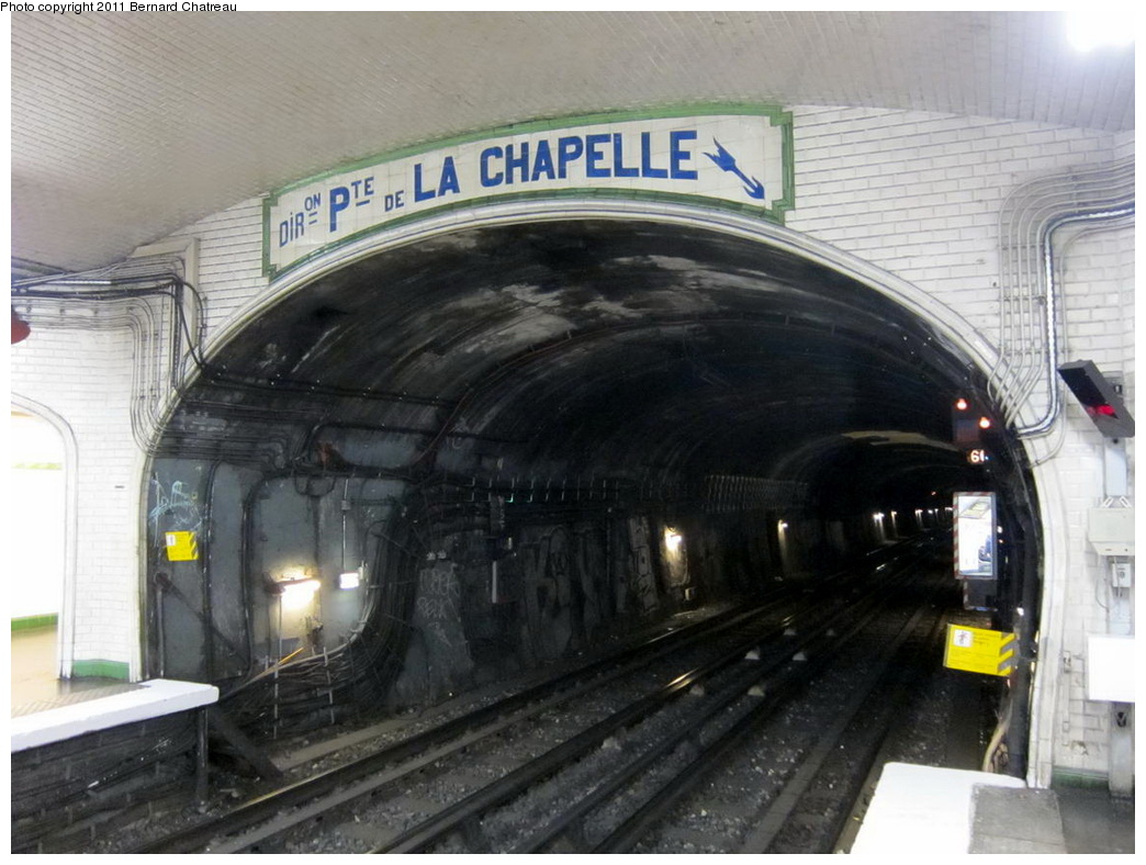 (282k, 1044x788)<br><b>Country:</b> France<br><b>City:</b> Paris<br><b>System:</b> RATP (Régie Autonome des Transports Parisiens)<br><b>Line:</b> Metro Ligne 12<br><b>Location:</b> Marcadet-Poissonniers<br><b>Photo by:</b> Bernard Chatreau<br><b>Date:</b> 5/5/2010<br><b>Viewed (this week/total):</b> 1 / 499
