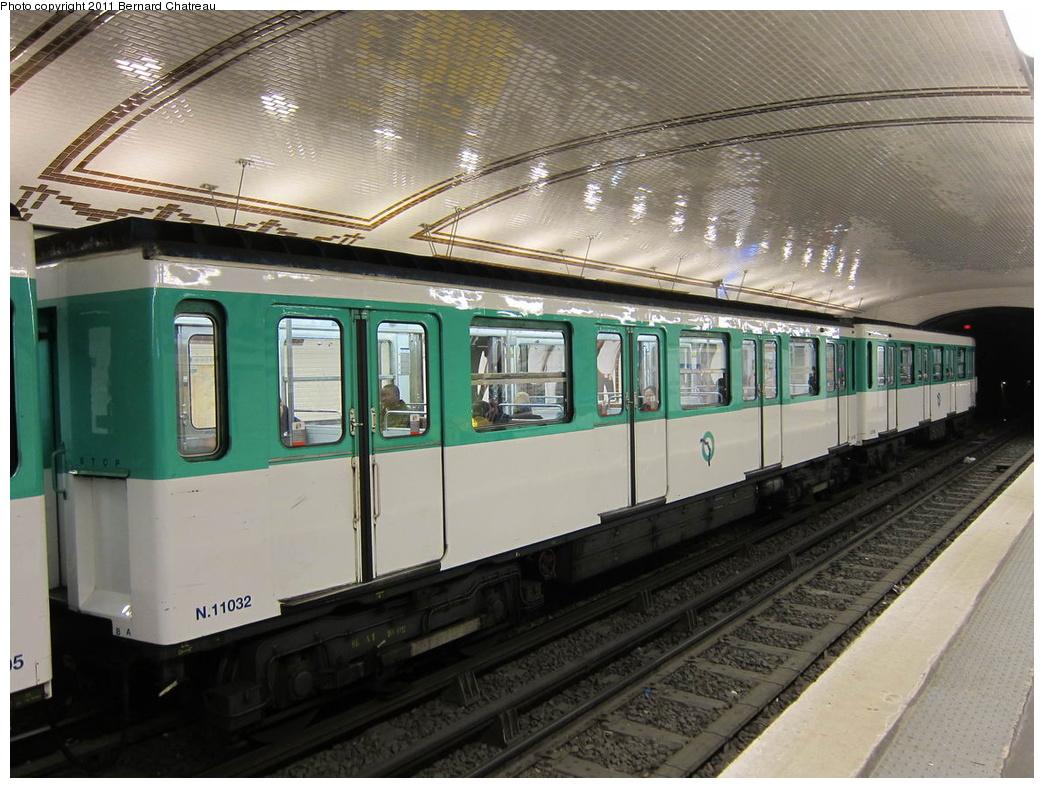 (325k, 1044x788)<br><b>Country:</b> France<br><b>City:</b> Paris<br><b>System:</b> RATP (Régie Autonome des Transports Parisiens)<br><b>Line:</b> Metro Ligne 12<br><b>Location:</b> Jules Joffrin<br><b>Car:</b> MF67 11032 <br><b>Photo by:</b> Bernard Chatreau<br><b>Date:</b> 5/5/2010<br><b>Viewed (this week/total):</b> 0 / 449