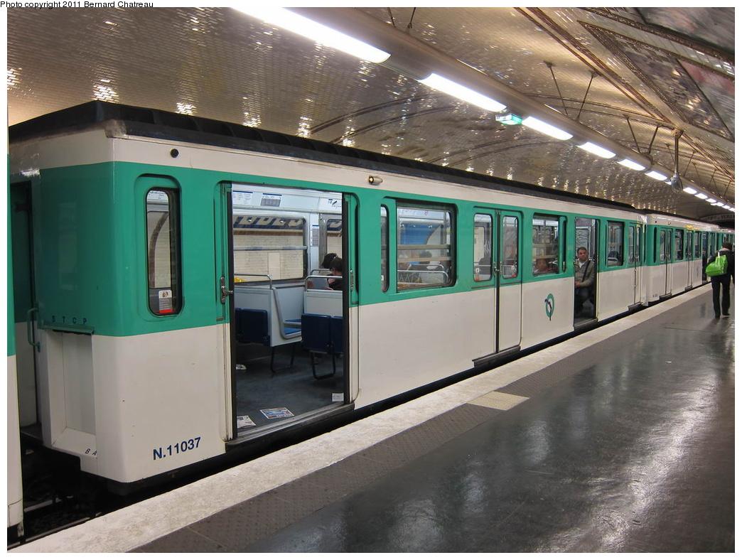 (318k, 1044x788)<br><b>Country:</b> France<br><b>City:</b> Paris<br><b>System:</b> RATP (Régie Autonome des Transports Parisiens)<br><b>Line:</b> Metro Ligne 12<br><b>Location:</b> Abbesses<br><b>Car:</b> MF67 11037 <br><b>Photo by:</b> Bernard Chatreau<br><b>Date:</b> 5/5/2010<br><b>Viewed (this week/total):</b> 1 / 465