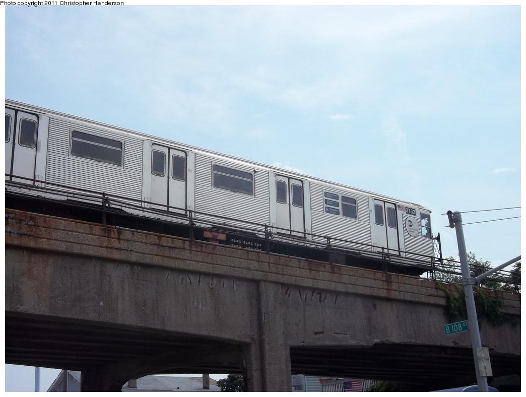 (260k, 1044x788)<br><b>Country:</b> United States<br><b>City:</b> New York<br><b>System:</b> New York City Transit<br><b>Line:</b> IND Rockaway Line<br><b>Location:</b> Beach 105th Street/Seaside<br><b>Route:</b> H<br><b>Car:</b> R-32 (Budd, 1964) 3733 <br><b>Photo by:</b> Christopher Henderson<br><b>Date:</b> 7/23/2011<br><b>Viewed (this week/total):</b> 0 / 1423