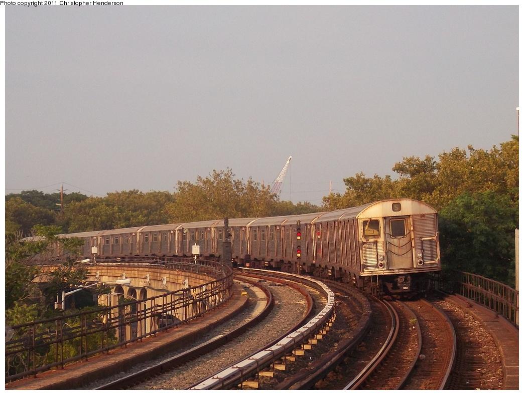 (343k, 1044x788)<br><b>Country:</b> United States<br><b>City:</b> New York<br><b>System:</b> New York City Transit<br><b>Line:</b> IND Rockaway Line<br><b>Location:</b> Beach 90th Street/Holland<br><b>Route:</b> H<br><b>Car:</b> R-32 (Budd, 1964) 3733 <br><b>Photo by:</b> Christopher Henderson<br><b>Date:</b> 7/23/2011<br><b>Viewed (this week/total):</b> 1 / 1655
