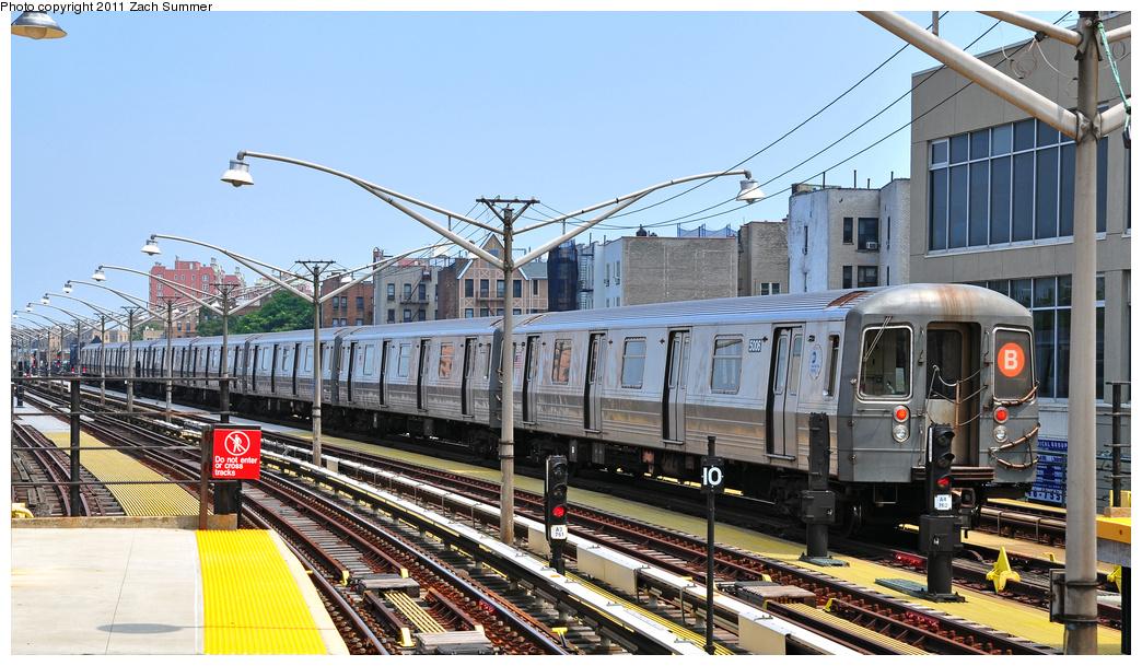 (386k, 1044x609)<br><b>Country:</b> United States<br><b>City:</b> New York<br><b>System:</b> New York City Transit<br><b>Line:</b> BMT Brighton Line<br><b>Location:</b> Ocean Parkway<br><b>Route:</b> B Layup<br><b>Car:</b> R-68A (Kawasaki, 1988-1989) 5006 <br><b>Photo by:</b> Zach Summer<br><b>Date:</b> 7/22/2011<br><b>Viewed (this week/total):</b> 2 / 1240