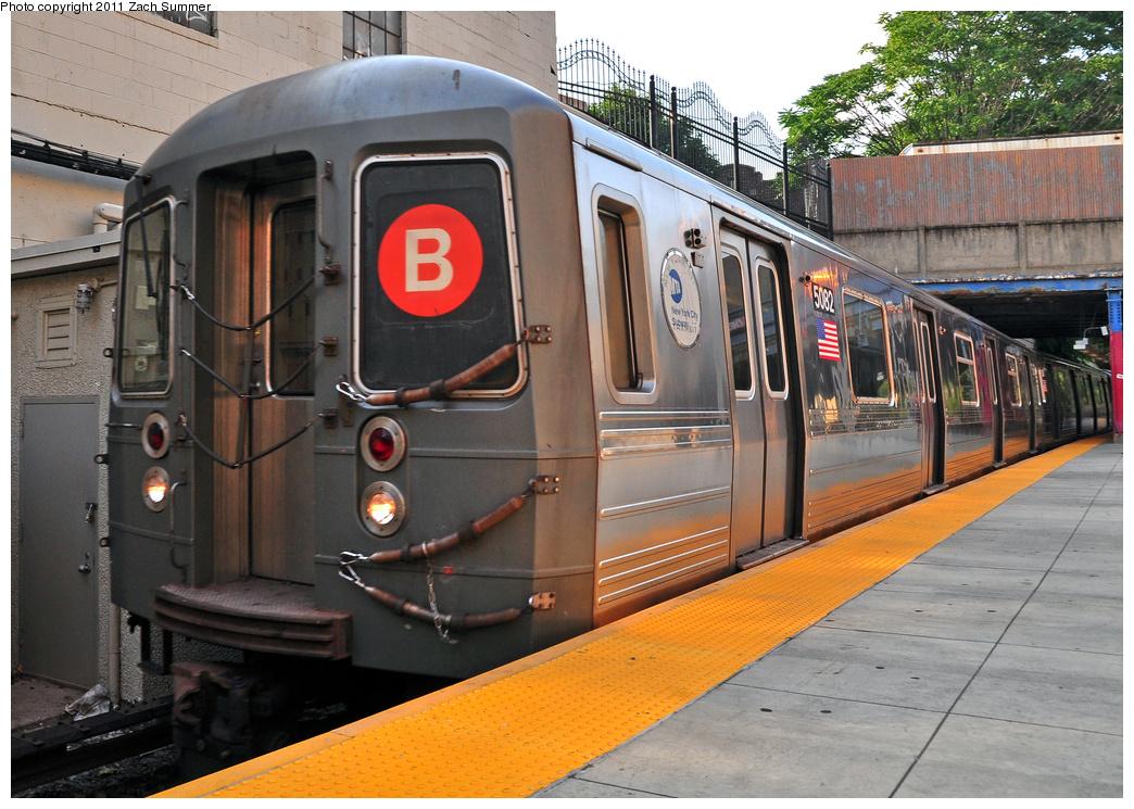 (422k, 1044x745)<br><b>Country:</b> United States<br><b>City:</b> New York<br><b>System:</b> New York City Transit<br><b>Line:</b> BMT Brighton Line<br><b>Location:</b> Newkirk Plaza<br><b>Route:</b> B<br><b>Car:</b> R-68A (Kawasaki, 1988-1989) 5082 <br><b>Photo by:</b> Zach Summer<br><b>Date:</b> 7/22/2011<br><b>Viewed (this week/total):</b> 2 / 1779