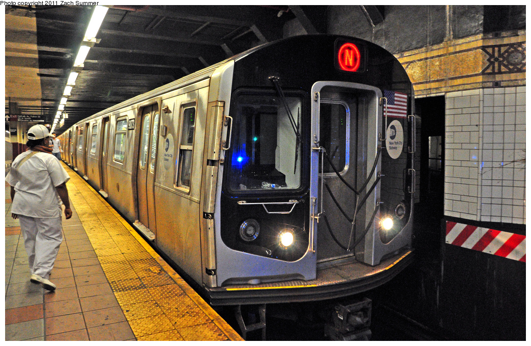 (481k, 1044x682)<br><b>Country:</b> United States<br><b>City:</b> New York<br><b>System:</b> New York City Transit<br><b>Line:</b> BMT 4th Avenue Line<br><b>Location:</b> DeKalb Avenue<br><b>Route:</b> N<br><b>Car:</b> R-160B (Option 1) (Kawasaki, 2008-2009) 9073 <br><b>Photo by:</b> Zach Summer<br><b>Date:</b> 7/23/2011<br><b>Viewed (this week/total):</b> 0 / 1664