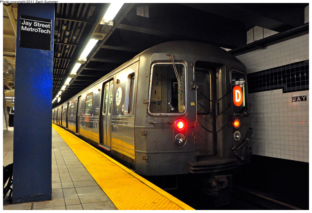 (430k, 1044x714)<br><b>Country:</b> United States<br><b>City:</b> New York<br><b>System:</b> New York City Transit<br><b>Line:</b> IND 8th Avenue Line<br><b>Location:</b> Jay St./Metrotech (Borough Hall)<br><b>Route:</b> D Reroute<br><b>Car:</b> R-68 (Westinghouse-Amrail, 1986-1988) 2768 <br><b>Photo by:</b> Zach Summer<br><b>Date:</b> 7/23/2011<br><b>Viewed (this week/total):</b> 0 / 1501