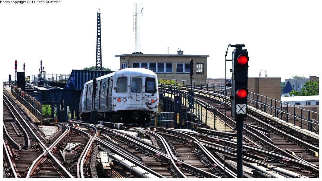 (352k, 1044x588)<br><b>Country:</b> United States<br><b>City:</b> New York<br><b>System:</b> New York City Transit<br><b>Line:</b> IND Fulton Street Line<br><b>Location:</b> Rockaway Boulevard<br><b>Route:</b> A<br><b>Car:</b> R-46 (Pullman-Standard, 1974-75) 6178 <br><b>Photo by:</b> Zach Summer<br><b>Date:</b> 7/23/2011<br><b>Viewed (this week/total):</b> 2 / 1706