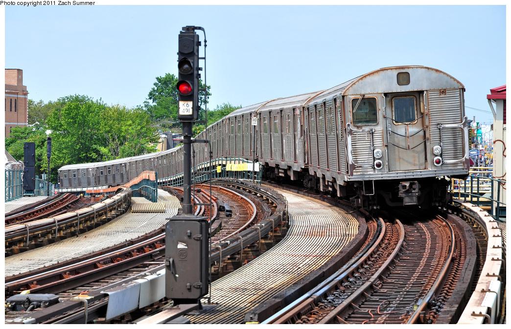 (455k, 1044x673)<br><b>Country:</b> United States<br><b>City:</b> New York<br><b>System:</b> New York City Transit<br><b>Line:</b> IND Fulton Street Line<br><b>Location:</b> 80th Street-Hudson Street<br><b>Route:</b> A<br><b>Car:</b> R-32 (Budd, 1964) 3688 <br><b>Photo by:</b> Zach Summer<br><b>Date:</b> 7/23/2011<br><b>Viewed (this week/total):</b> 1 / 1365