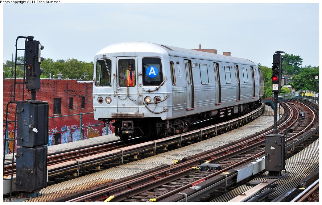 (411k, 1044x664)<br><b>Country:</b> United States<br><b>City:</b> New York<br><b>System:</b> New York City Transit<br><b>Line:</b> IND Fulton Street Line<br><b>Location:</b> 80th Street-Hudson Street<br><b>Route:</b> A<br><b>Car:</b> R-46 (Pullman-Standard, 1974-75) 5864 <br><b>Photo by:</b> Zach Summer<br><b>Date:</b> 7/23/2011<br><b>Viewed (this week/total):</b> 0 / 1218