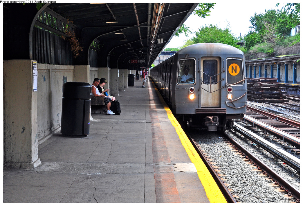 (459k, 1044x712)<br><b>Country:</b> United States<br><b>City:</b> New York<br><b>System:</b> New York City Transit<br><b>Line:</b> BMT Sea Beach Line<br><b>Location:</b> Fort Hamilton Parkway<br><b>Route:</b> N<br><b>Car:</b> R-68A (Kawasaki, 1988-1989) 5038 <br><b>Photo by:</b> Zach Summer<br><b>Date:</b> 7/23/2011<br><b>Viewed (this week/total):</b> 0 / 1941