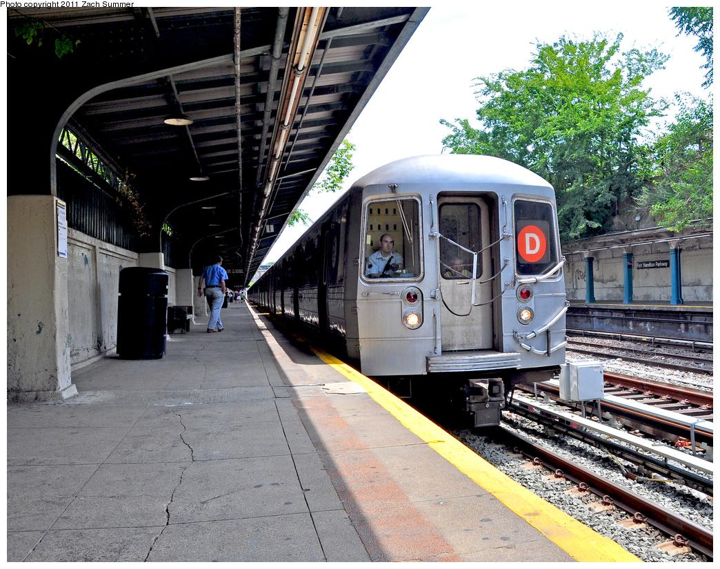(551k, 1044x825)<br><b>Country:</b> United States<br><b>City:</b> New York<br><b>System:</b> New York City Transit<br><b>Line:</b> BMT Sea Beach Line<br><b>Location:</b> Fort Hamilton Parkway<br><b>Route:</b> D Reroute<br><b>Car:</b> R-68 (Westinghouse-Amrail, 1986-1988) 2626 <br><b>Photo by:</b> Zach Summer<br><b>Date:</b> 7/23/2011<br><b>Viewed (this week/total):</b> 1 / 1690