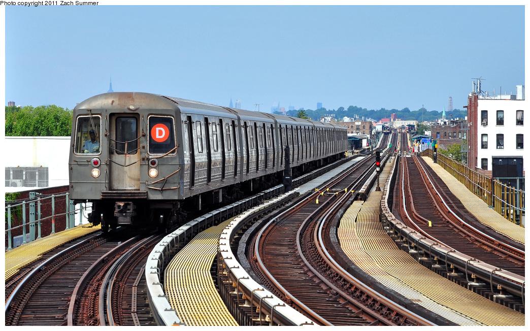 (421k, 1044x652)<br><b>Country:</b> United States<br><b>City:</b> New York<br><b>System:</b> New York City Transit<br><b>Line:</b> BMT West End Line<br><b>Location:</b> 18th Avenue<br><b>Route:</b> D<br><b>Car:</b> R-68 (Westinghouse-Amrail, 1986-1988) 2796 <br><b>Photo by:</b> Zach Summer<br><b>Date:</b> 7/23/2011<br><b>Viewed (this week/total):</b> 0 / 1680