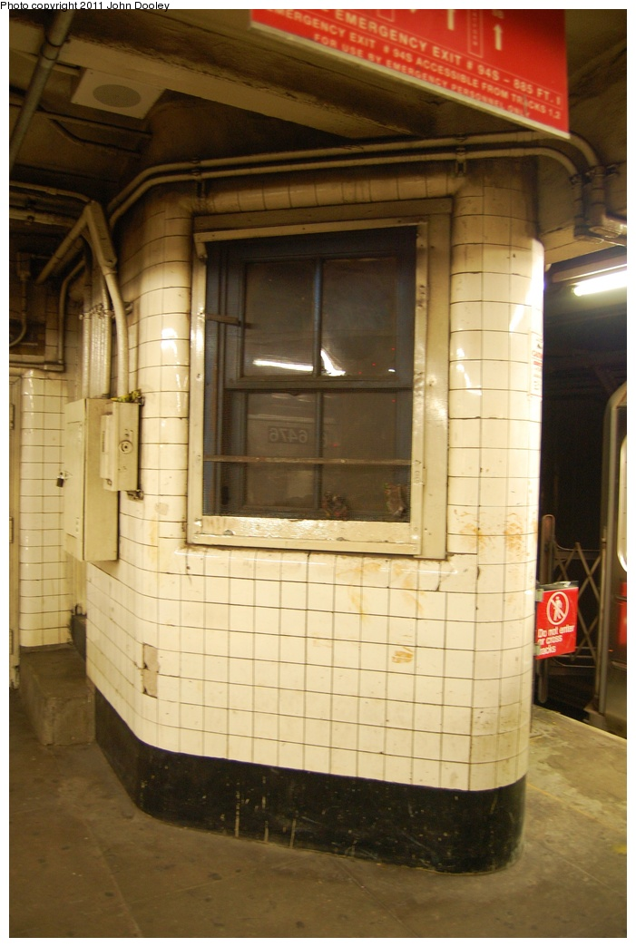 (280k, 701x1044)<br><b>Country:</b> United States<br><b>City:</b> New York<br><b>System:</b> New York City Transit<br><b>Line:</b> IRT Brooklyn Line<br><b>Location:</b> Franklin Avenue<br><b>Photo by:</b> John Dooley<br><b>Date:</b> 6/28/2011<br><b>Notes:</b> Dispatcher office.<br><b>Viewed (this week/total):</b> 0 / 2271
