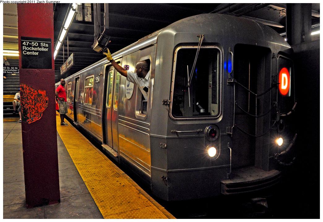 (449k, 1044x717)<br><b>Country:</b> United States<br><b>City:</b> New York<br><b>System:</b> New York City Transit<br><b>Line:</b> IND 6th Avenue Line<br><b>Location:</b> 47-50th Street/Rockefeller Center<br><b>Car:</b> R-68A (Kawasaki, 1988-1989) 5154 <br><b>Photo by:</b> Zach Summer<br><b>Date:</b> 7/23/2011<br><b>Notes:</b> Not in service-Baseball Special running light back to Concourse Yard.<br><b>Viewed (this week/total):</b> 3 / 2537