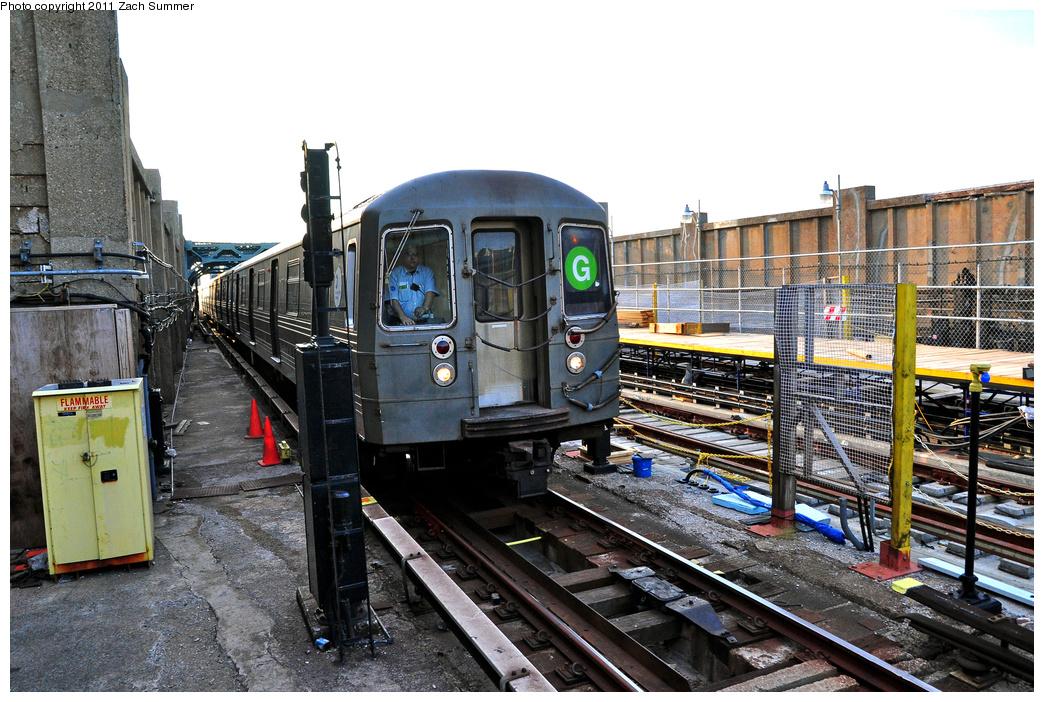 (424k, 1044x702)<br><b>Country:</b> United States<br><b>City:</b> New York<br><b>System:</b> New York City Transit<br><b>Line:</b> IND Crosstown Line<br><b>Location:</b> 4th Avenue<br><b>Route:</b> G<br><b>Car:</b> R-68 (Westinghouse-Amrail, 1986-1988) 2880 <br><b>Photo by:</b> Zach Summer<br><b>Date:</b> 7/23/2011<br><b>Viewed (this week/total):</b> 0 / 2110