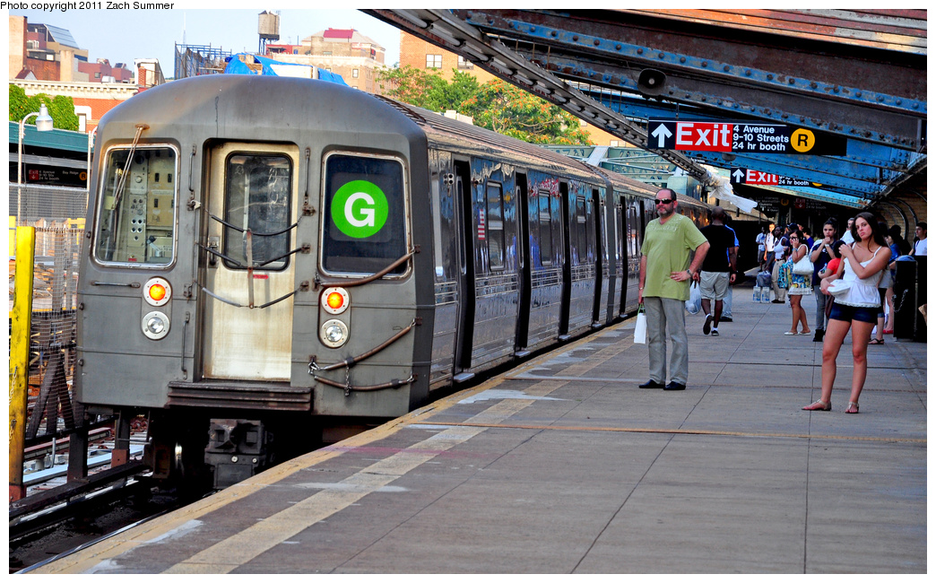 (435k, 1044x650)<br><b>Country:</b> United States<br><b>City:</b> New York<br><b>System:</b> New York City Transit<br><b>Line:</b> IND Crosstown Line<br><b>Location:</b> 4th Avenue<br><b>Route:</b> G<br><b>Car:</b> R-68 (Westinghouse-Amrail, 1986-1988) 2882 <br><b>Photo by:</b> Zach Summer<br><b>Date:</b> 7/23/2011<br><b>Viewed (this week/total):</b> 0 / 2667