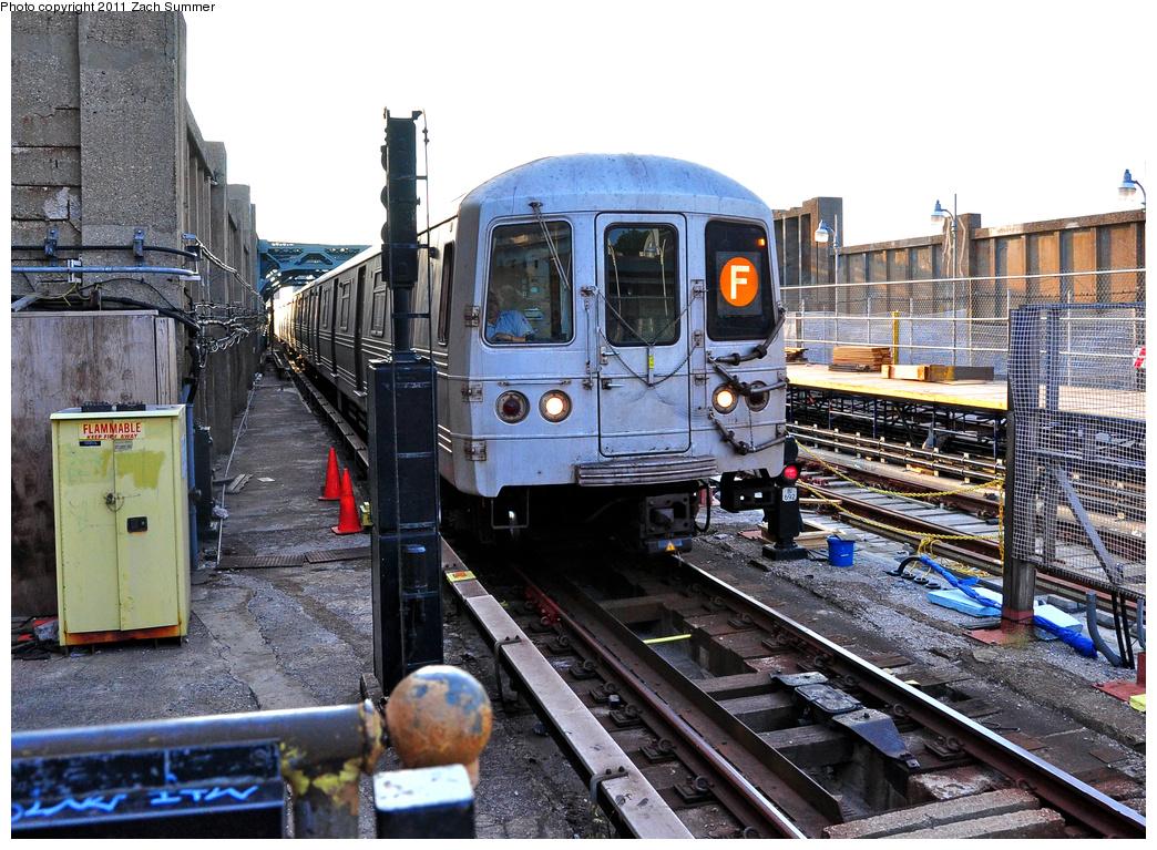 (476k, 1044x767)<br><b>Country:</b> United States<br><b>City:</b> New York<br><b>System:</b> New York City Transit<br><b>Line:</b> IND Crosstown Line<br><b>Location:</b> 4th Avenue<br><b>Route:</b> F<br><b>Car:</b> R-46 (Pullman-Standard, 1974-75) 5610 <br><b>Photo by:</b> Zach Summer<br><b>Date:</b> 7/23/2011<br><b>Viewed (this week/total):</b> 1 / 1471