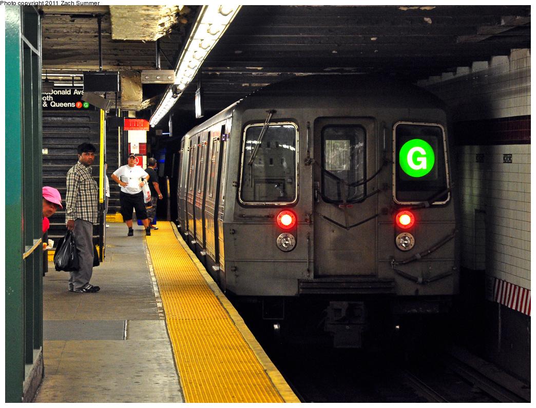 (485k, 1044x796)<br><b>Country:</b> United States<br><b>City:</b> New York<br><b>System:</b> New York City Transit<br><b>Line:</b> IND Crosstown Line<br><b>Location:</b> Church Avenue<br><b>Route:</b> G<br><b>Car:</b> R-68 (Westinghouse-Amrail, 1986-1988) 2828 <br><b>Photo by:</b> Zach Summer<br><b>Date:</b> 7/23/2011<br><b>Viewed (this week/total):</b> 0 / 2406