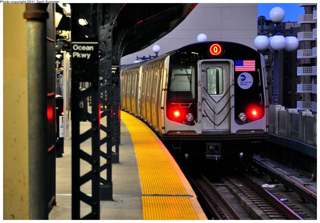 (426k, 1044x729)<br><b>Country:</b> United States<br><b>City:</b> New York<br><b>System:</b> New York City Transit<br><b>Line:</b> BMT Brighton Line<br><b>Location:</b> Ocean Parkway<br><b>Route:</b> Q<br><b>Car:</b> R-160B (Option 1) (Kawasaki, 2008-2009) 9137 <br><b>Photo by:</b> Zach Summer<br><b>Date:</b> 7/23/2011<br><b>Viewed (this week/total):</b> 1 / 1481