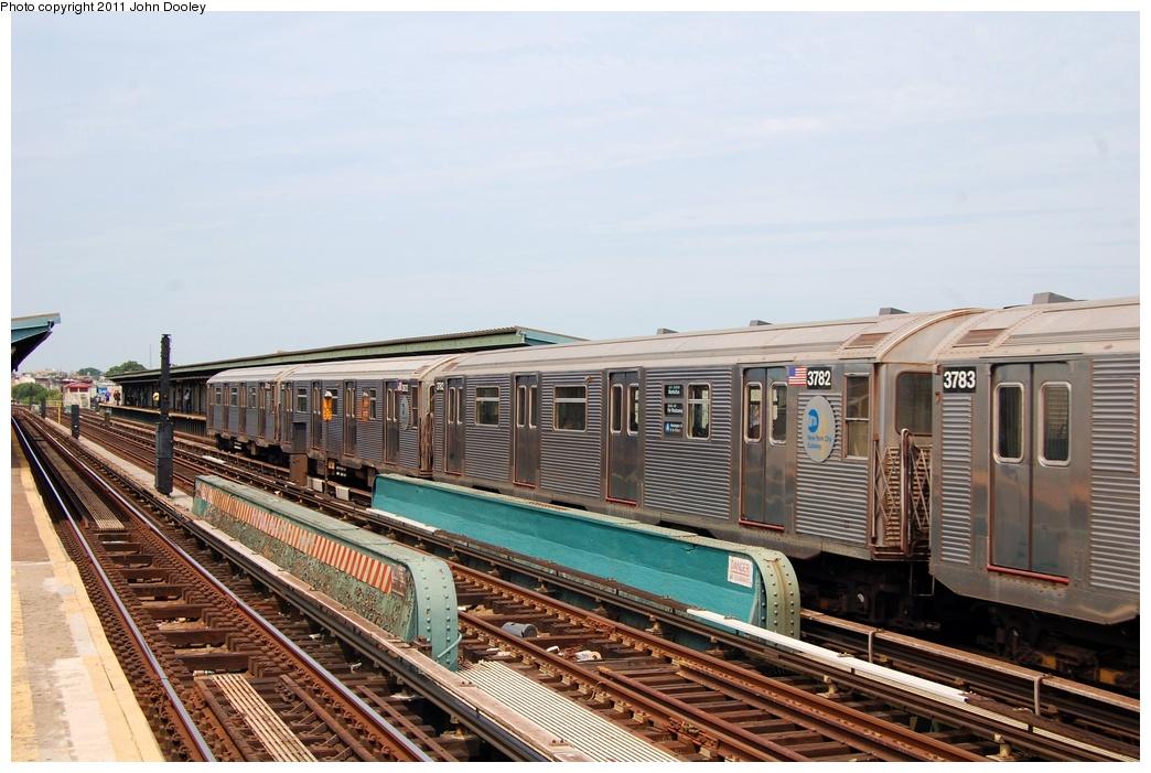 (309k, 1044x701)<br><b>Country:</b> United States<br><b>City:</b> New York<br><b>System:</b> New York City Transit<br><b>Line:</b> IND Fulton Street Line<br><b>Location:</b> 80th Street-Hudson Street<br><b>Route:</b> A<br><b>Car:</b> R-32 (Budd, 1964) 3782 <br><b>Photo by:</b> John Dooley<br><b>Date:</b> 7/23/2011<br><b>Viewed (this week/total):</b> 0 / 828