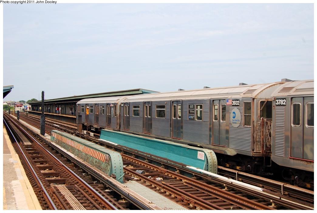 (311k, 1044x701)<br><b>Country:</b> United States<br><b>City:</b> New York<br><b>System:</b> New York City Transit<br><b>Line:</b> IND Fulton Street Line<br><b>Location:</b> 80th Street-Hudson Street<br><b>Route:</b> A<br><b>Car:</b> R-32 (Budd, 1964) 3932 <br><b>Photo by:</b> John Dooley<br><b>Date:</b> 7/23/2011<br><b>Viewed (this week/total):</b> 1 / 1045