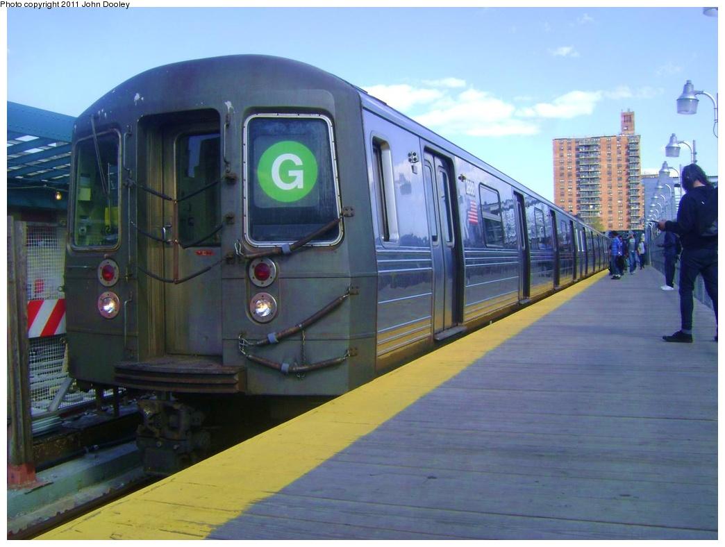 (269k, 1044x788)<br><b>Country:</b> United States<br><b>City:</b> New York<br><b>System:</b> New York City Transit<br><b>Line:</b> IND Crosstown Line<br><b>Location:</b> 4th Avenue<br><b>Route:</b> G<br><b>Car:</b> R-68 (Westinghouse-Amrail, 1986-1988) 2888 <br><b>Photo by:</b> John Dooley<br><b>Date:</b> 5/5/2011<br><b>Viewed (this week/total):</b> 1 / 1498