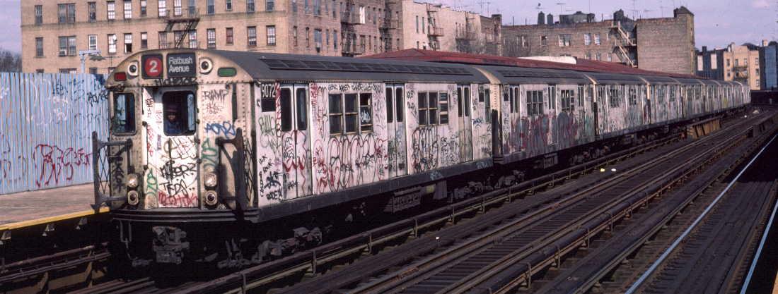(71k, 1100x417)<br><b>Country:</b> United States<br><b>City:</b> New York<br><b>System:</b> New York City Transit<br><b>Line:</b> IRT White Plains Road Line<br><b>Location:</b> Bronx Park East<br><b>Route:</b> 2<br><b>Car:</b> R-33 Main Line (St. Louis, 1962-63) 9072 <br><b>Photo by:</b> Robert Callahan<br><b>Date:</b> 3/2/1985<br><b>Viewed (this week/total):</b> 0 / 1479