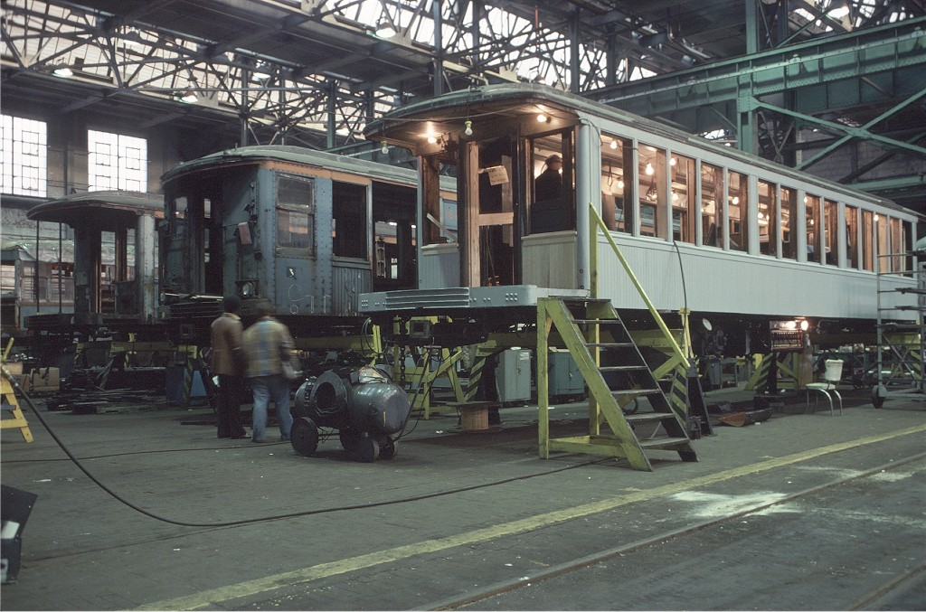 (218k, 1024x677)<br><b>Country:</b> United States<br><b>City:</b> New York<br><b>System:</b> New York City Transit<br><b>Location:</b> Coney Island Shop/Overhaul & Repair Shop<br><b>Car:</b> BMT Q 1622 <br><b>Photo by:</b> Doug Grotjahn<br><b>Collection of:</b> Joe Testagrose<br><b>Date:</b> 11/11/1978<br><b>Viewed (this week/total):</b> 0 / 1474