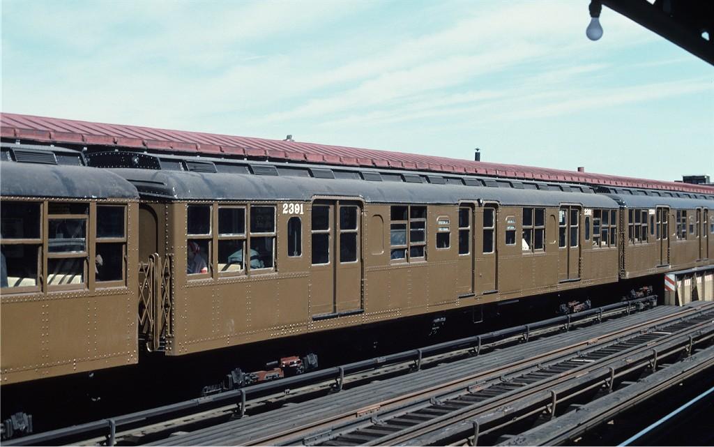 (170k, 1024x641)<br><b>Country:</b> United States<br><b>City:</b> New York<br><b>System:</b> New York City Transit<br><b>Line:</b> BMT Astoria Line<br><b>Location:</b> 39th/Beebe Aves.<br><b>Route:</b> Fan Trip<br><b>Car:</b> BMT A/B-Type Standard 2391 <br><b>Photo by:</b> Joe Testagrose<br><b>Date:</b> 4/16/1977<br><b>Viewed (this week/total):</b> 1 / 1595