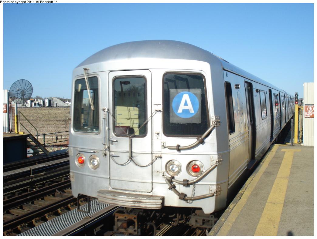 (310k, 1044x788)<br><b>Country:</b> United States<br><b>City:</b> New York<br><b>System:</b> New York City Transit<br><b>Line:</b> IND Fulton Street Line<br><b>Location:</b> 80th Street-Hudson Street<br><b>Route:</b> A<br><b>Car:</b> R-46 (Pullman-Standard, 1974-75)  <br><b>Photo by:</b> Al Bennett, Jr.<br><b>Date:</b> 4/21/2011<br><b>Viewed (this week/total):</b> 0 / 1017