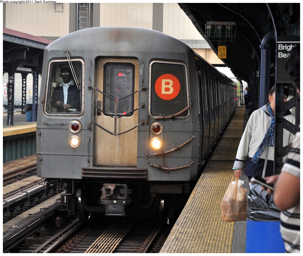 (434k, 1044x883)<br><b>Country:</b> United States<br><b>City:</b> New York<br><b>System:</b> New York City Transit<br><b>Line:</b> BMT Brighton Line<br><b>Location:</b> Brighton Beach<br><b>Route:</b> B<br><b>Car:</b> R-68A (Kawasaki, 1988-1989) 5040 <br><b>Photo by:</b> Zach Summer<br><b>Date:</b> 9/30/2011<br><b>Notes:</b> Last Day of Brighton Local B Service<br><b>Viewed (this week/total):</b> 1 / 1592