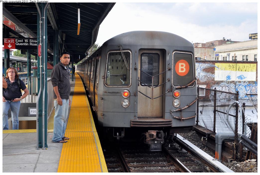 (389k, 1044x704)<br><b>Country:</b> United States<br><b>City:</b> New York<br><b>System:</b> New York City Transit<br><b>Line:</b> BMT Brighton Line<br><b>Location:</b> Kings Highway<br><b>Route:</b> B<br><b>Car:</b> R-68A (Kawasaki, 1988-1989) 5040 <br><b>Photo by:</b> Zach Summer<br><b>Date:</b> 9/30/2011<br><b>Notes:</b> Last Day of Brighton Local B Service<br><b>Viewed (this week/total):</b> 1 / 1735