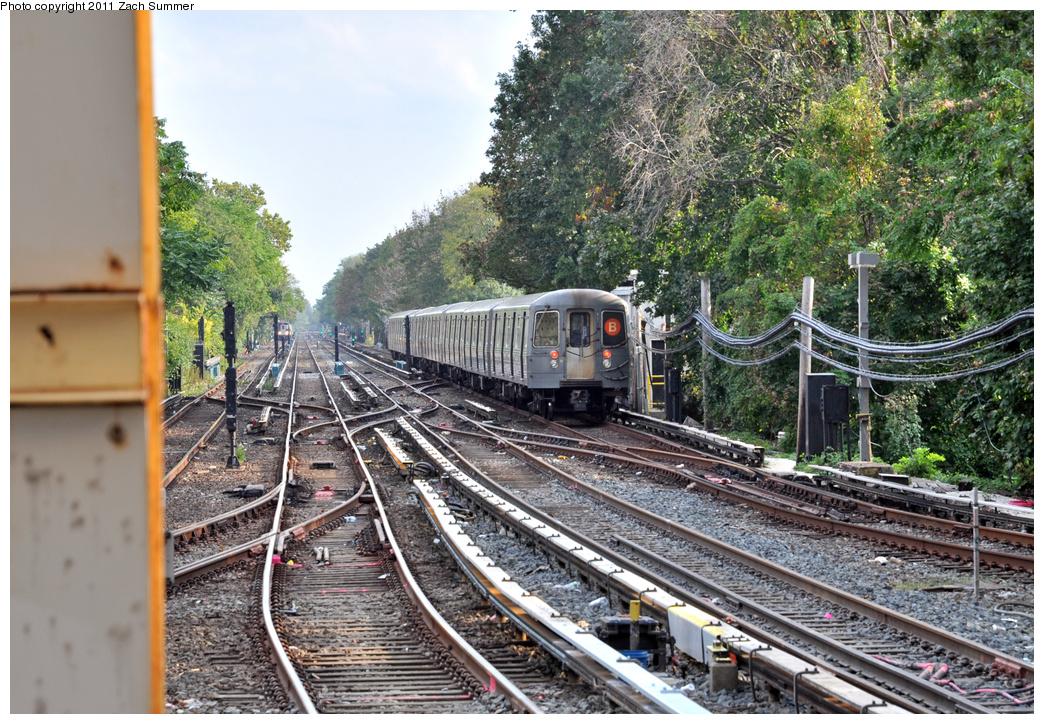 (514k, 1044x724)<br><b>Country:</b> United States<br><b>City:</b> New York<br><b>System:</b> New York City Transit<br><b>Line:</b> BMT Brighton Line<br><b>Location:</b> Kings Highway<br><b>Route:</b> B<br><b>Car:</b> R-68A (Kawasaki, 1988-1989) 5012 <br><b>Photo by:</b> Zach Summer<br><b>Date:</b> 9/30/2011<br><b>Notes:</b> Last Day of Brighton Local B Service<br><b>Viewed (this week/total):</b> 1 / 1773