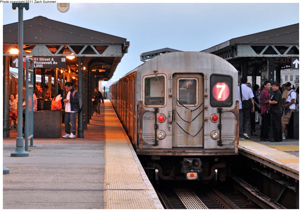 (390k, 1044x734)<br><b>Country:</b> United States<br><b>City:</b> New York<br><b>System:</b> New York City Transit<br><b>Line:</b> IRT Flushing Line<br><b>Location:</b> 61st Street/Woodside<br><b>Route:</b> 7<br><b>Car:</b> R-62A (Bombardier, 1984-1987) 1695 <br><b>Photo by:</b> Zach Summer<br><b>Date:</b> 9/30/2011<br><b>Viewed (this week/total):</b> 1 / 1595
