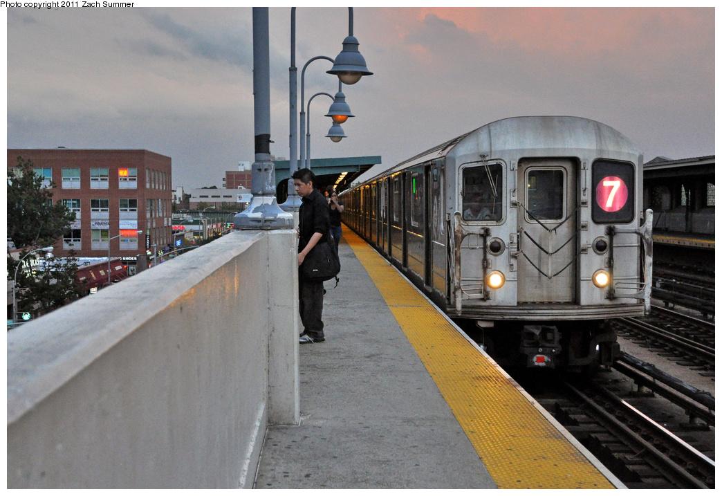 (367k, 1044x717)<br><b>Country:</b> United States<br><b>City:</b> New York<br><b>System:</b> New York City Transit<br><b>Line:</b> IRT Flushing Line<br><b>Location:</b> 46th Street/Bliss Street<br><b>Route:</b> 7<br><b>Car:</b> R-62A (Bombardier, 1984-1987) 1821 <br><b>Photo by:</b> Zach Summer<br><b>Date:</b> 9/30/2011<br><b>Viewed (this week/total):</b> 0 / 1580