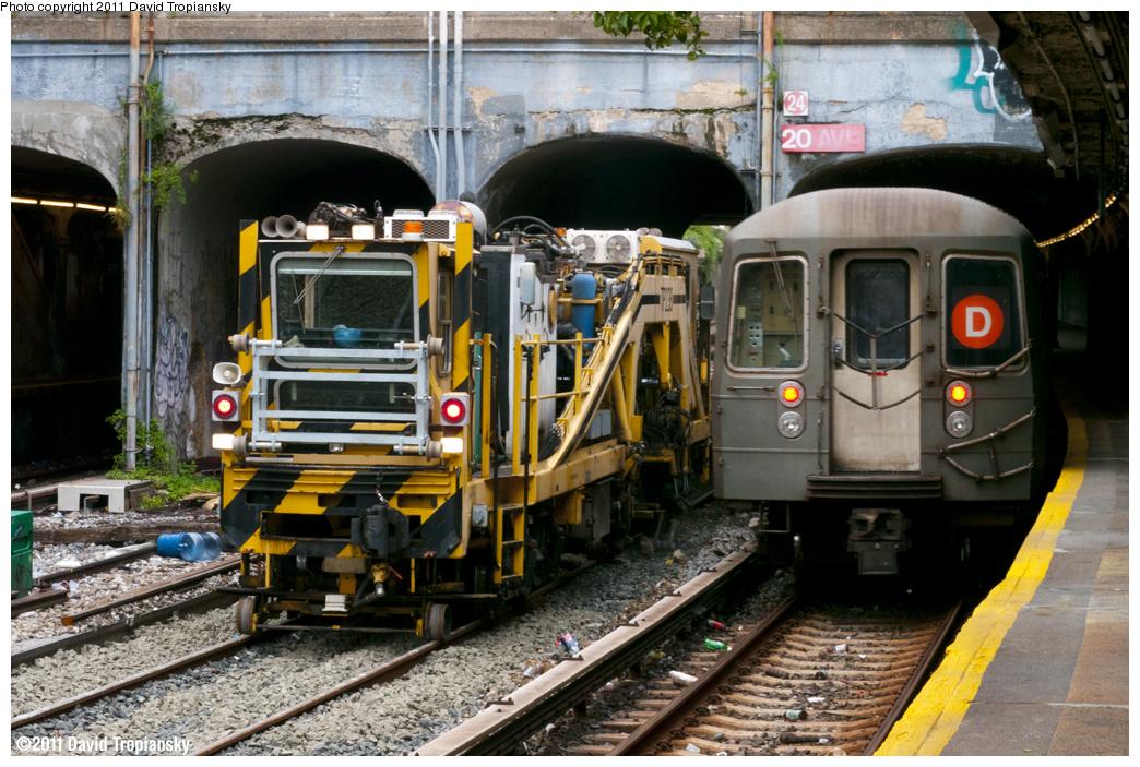 (424k, 1044x703)<br><b>Country:</b> United States<br><b>City:</b> New York<br><b>System:</b> New York City Transit<br><b>Line:</b> BMT Sea Beach Line<br><b>Location:</b> 20th Avenue<br><b>Route:</b> Work Service<br><b>Car:</b> R-125 Ballast Regulator  <br><b>Photo by:</b> David Tropiansky<br><b>Date:</b> 9/25/2011<br><b>Viewed (this week/total):</b> 0 / 1967